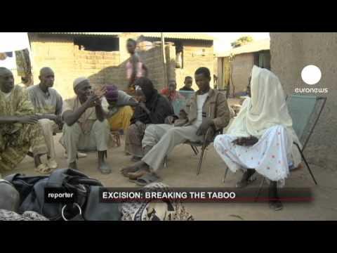 euronews reporter - La difícil lucha contra la ablación en Mali