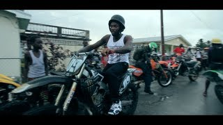 Meek Mill ride en moto cross sur l'ile de Barbade