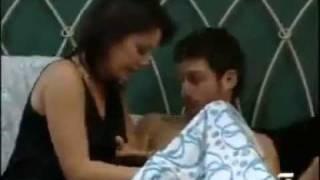 getlinkyoutube.com-lucu memalukan cara pakai kondom