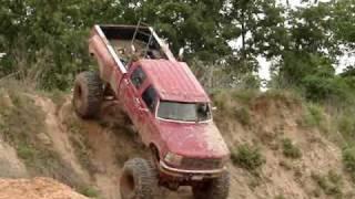 getlinkyoutube.com-HUGE FORD DIESEL MUD TRUCK Climbs GIANT Hill