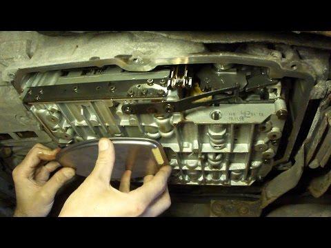 Замена масла на коробке-автомат 722.6 Mercedes W210 Changing Automatic Transmission Fluid & Filter