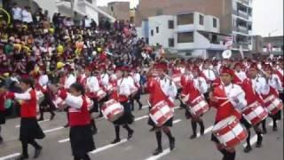 getlinkyoutube.com-Colegio Alfonso Ugarte (Santa Anita) - Desfile y Pasacalle de Fiestas Patrias 2011 (Parte 1/2) [HD]