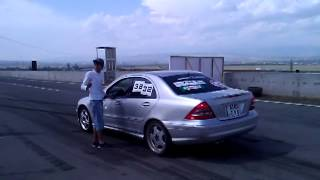 getlinkyoutube.com-C32 AMG vs BMW M6