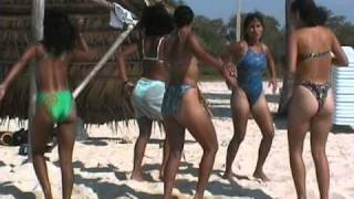 Hot Girls Dance on Coco Beach Cuba-2