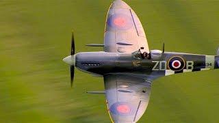 getlinkyoutube.com-Flying historic WWII Spitfire plane - Red Bull Air Race Ascot 2014