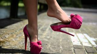 Julie skyhigh dangling in Christian Louboutin Lady gres 16cm high heels (pink suede)