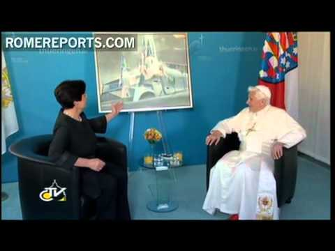 Benedict XVI arrives to Erfurt