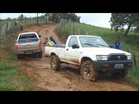 Carros atolados - São João na roça