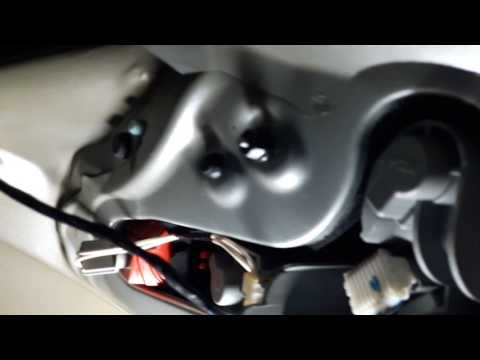 Как снять заднюю фару на toyota auris / How to remove a taillight on a toyota auris
