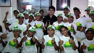 getlinkyoutube.com-Faisal Khan Celebrates Children's Day At Smile Foundation