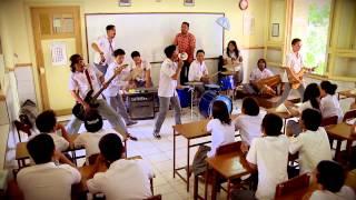 getlinkyoutube.com-Serempet Gudal (Kimcil Official Video Clip)