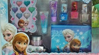 getlinkyoutube.com-Disney Frozen Beauty Kit Featuring Elsa Anna & Olaf Fun toys Frozen Kit de Beleza Trousse de Beauté