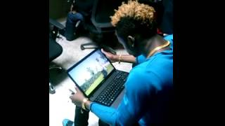 getlinkyoutube.com-Diamond platnumz watching lala salama by willy paul (@willypaulbongo)
