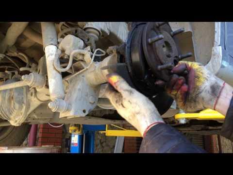 Попытка заменить сальник полуоси на СсангЙонг Рекстон 2006 года SsangYong Rexton