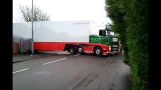 getlinkyoutube.com-Amazing lorry parking