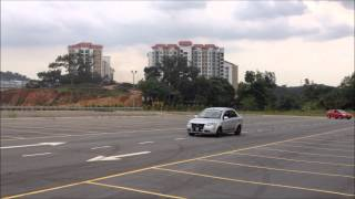 getlinkyoutube.com-BLM, Prius and E36 Playing around in an empty car park