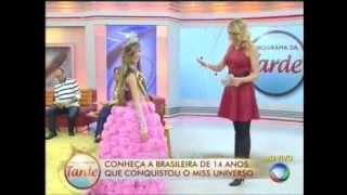 getlinkyoutube.com-Miss Universo - Modelo brasileira de 14 anos, compartilha sua glória em programa de TV.
