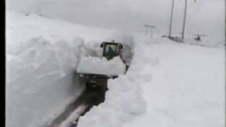 getlinkyoutube.com-Snow Plow cutting through DEEP snow on the Heart's Content Barrens Highway - 2001