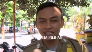 "getlinkyoutube.com-Hehe…Puasa"" 2 Pasangan Anak SD Ketangkap lg Pacaran. Cowoknya di hukum Pust-Up - Lumajang"