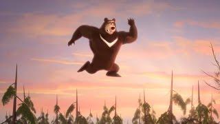 getlinkyoutube.com-Маша и медведь - Неуловимые Мстители (Кровать - Батут)
