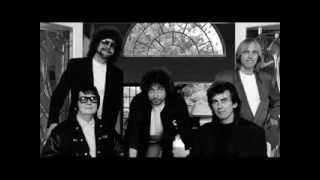 getlinkyoutube.com-Travelling Wilburys - Handle With Care (extended with lyrics)
