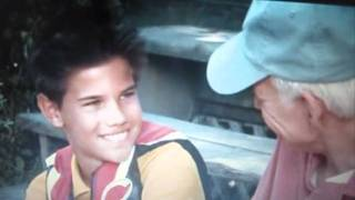 getlinkyoutube.com-Taylor Lautner's(Elliott Murtaugh) scenes in Cheaper by the dozen 2
