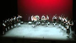 Scottish traditional folk dance: Blue Bonnets & Drum Fanfare