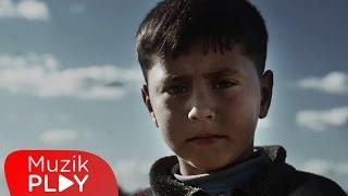 Teoman Suriyeli mülteciler için klip çekti -