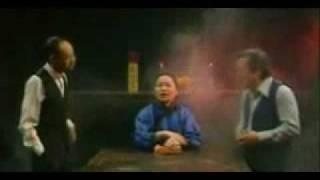 getlinkyoutube.com-1960s and 1970s    缅怀新加坡方言谐剧笑匠 - 王沙、野峰 『 招鬼魂』