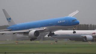getlinkyoutube.com-STORM!! SCHIPHOL, KLM GEVAARLIJKE LANDING B777 PH-BVB
