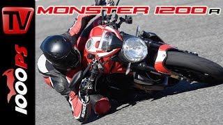 getlinkyoutube.com-Ducati Monster 1200 R Test 2016 | Fazit, Action, Fahrverhalten (English Subs)