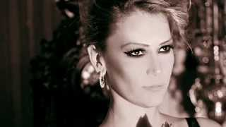 getlinkyoutube.com-Banu Karaca (Çöp - Hande Yener Cover)