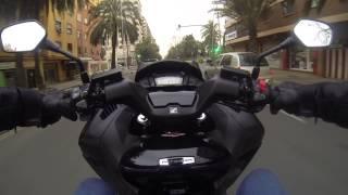 getlinkyoutube.com-Honda Integra 750 prueba 1