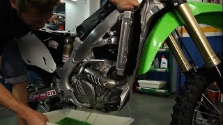 Cómo cambiar líquido refrigerante moto, por EnduroPro
