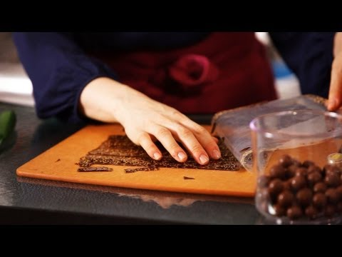 Cake Decorations Made out of Chocolate | Cake Decorating Tutorials