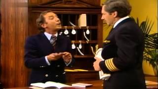 getlinkyoutube.com-Harald Juhnke & Hans Clarin - An der Rezeption 1980