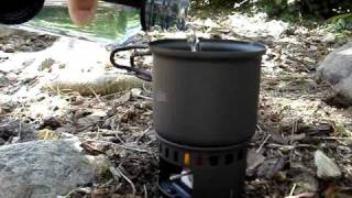 getlinkyoutube.com-Cooking with an Esbit Solid-Fuel Cookset