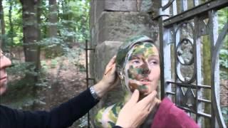 getlinkyoutube.com-Bodypainting DOOR ART