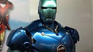 getlinkyoutube.com-Stealth MK3 Exclusive Diecast Iron Man from Hot Toys