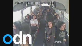 getlinkyoutube.com-Dramatic footage of knife attack on bus in China