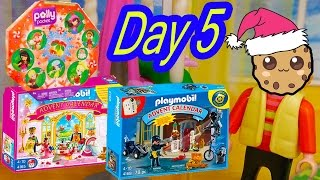 getlinkyoutube.com-Polly Pocket, Playmobil Holiday Christmas Advent Calendar Day 5 Toy Surprise Opening Video