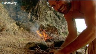 getlinkyoutube.com-Starting Fire - Ed Stafford: Naked and Marooned