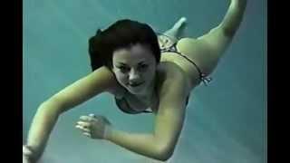 getlinkyoutube.com-underwater girl 2