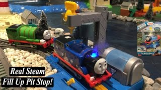 Thomas and Friends-Trackmaster Real Steam Fill Up Pit Stop!