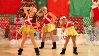 getlinkyoutube.com-Christmas - Lady GAGA, Run DMC, TLC