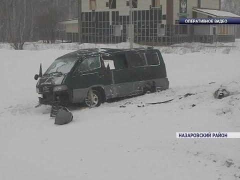 В Назаровском районе у микроавтобуса с пассажирами на полном ходу отвалилось колесо