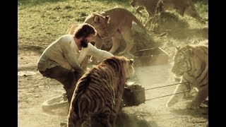 Roar: A Movie Made with 150 Untrained Lions and Tigers width=