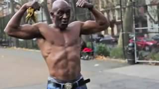 getlinkyoutube.com-اقوى رجل عمره 60 سنة ,انظر ماذا يفعل.