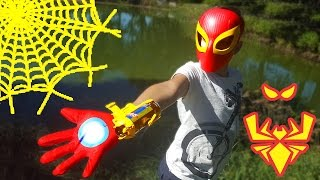 getlinkyoutube.com-БЛАСТЕР - ПЕРЧАТКА  Железного Человека Паука. Играем с Angry Bird. Iron Spider Blaster Marvel Toys
