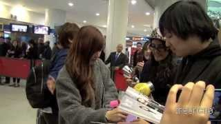 getlinkyoutube.com-[FANCAM] 131102 소녀시대 SNSD : 티파니 TIFFANY ARRIVING JFK AIRPORT NY, USA_HQ